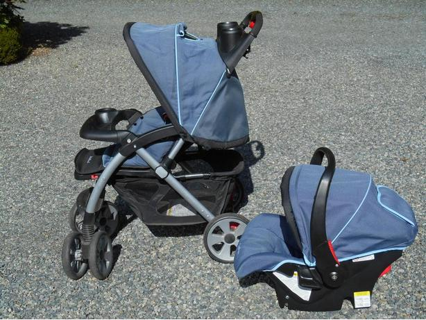 eddie bauer stroller system pending pickup mill bay cowichan mobile. Black Bedroom Furniture Sets. Home Design Ideas