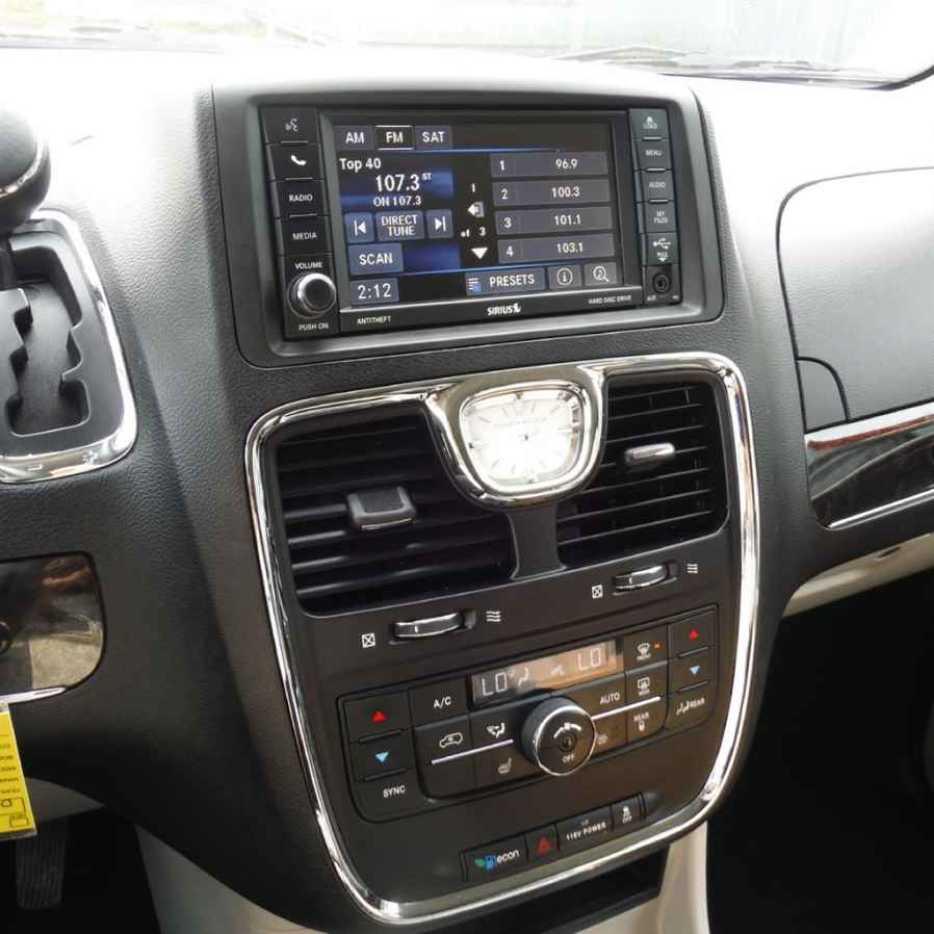 2014 Chrysler Town & Country North Nanaimo, Nanaimo
