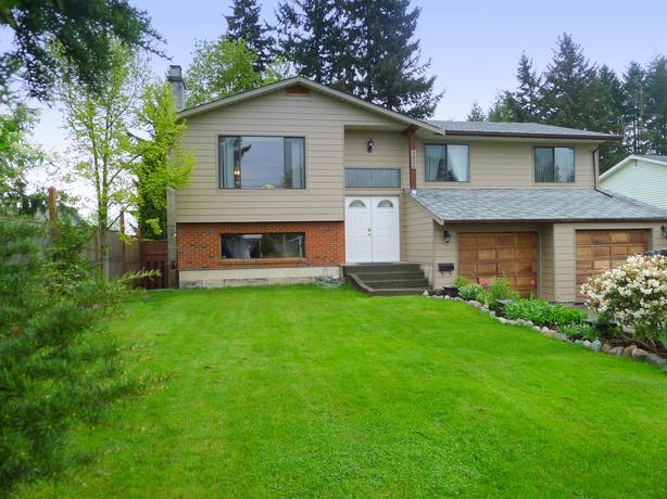 New listing immaculate family home with large yard for Immaculate family home