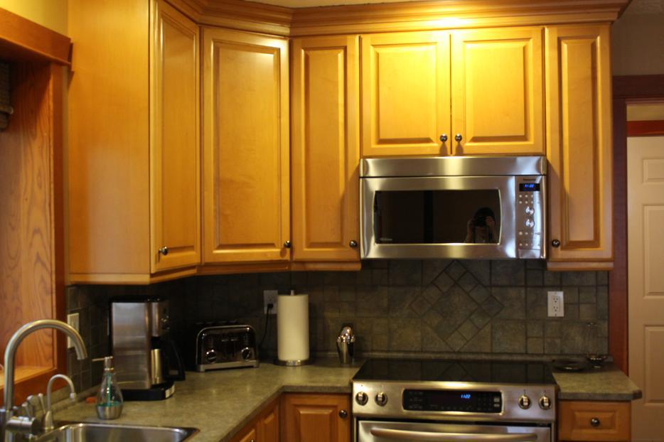 Countertops And Wood Cabinets South Nanaimo Nanaimo Mobile