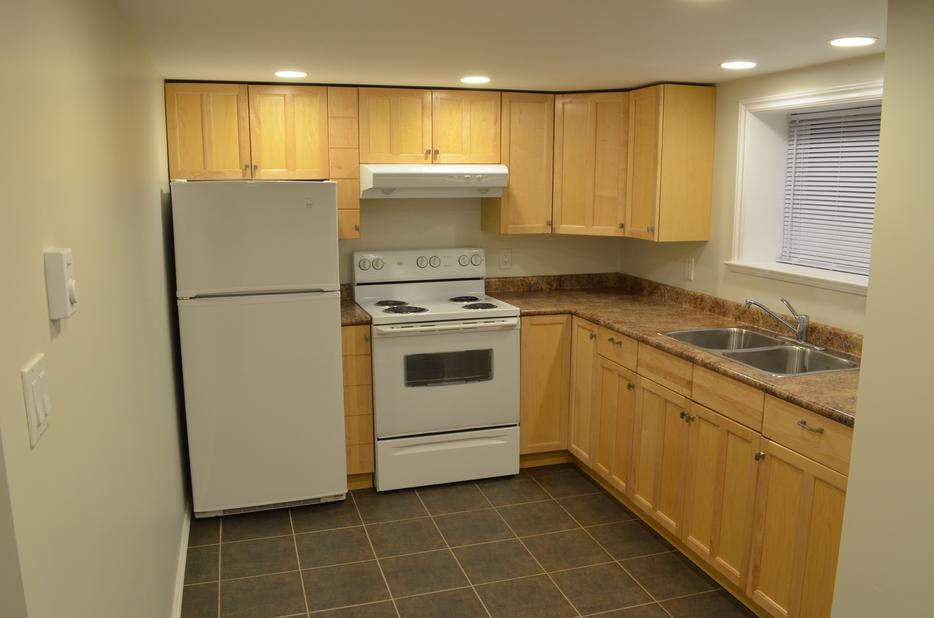 Large Renovated 1 Bedroom Basement Suite For Rent Saanich