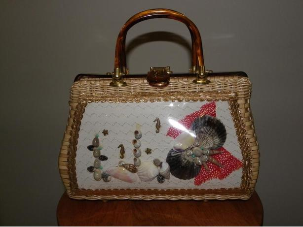 Must have vintage beach-themed purse