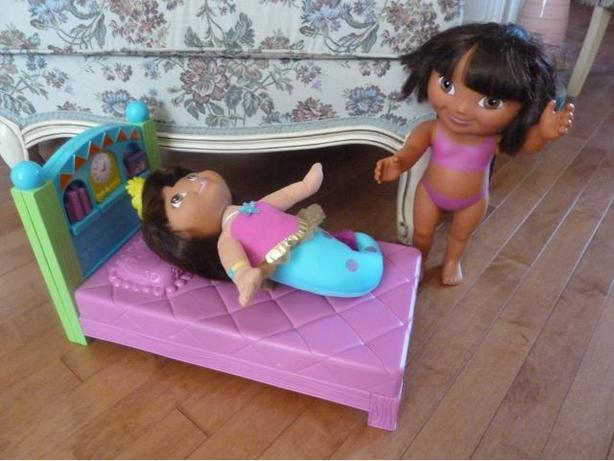 Dora, the Explorer dolls and bed