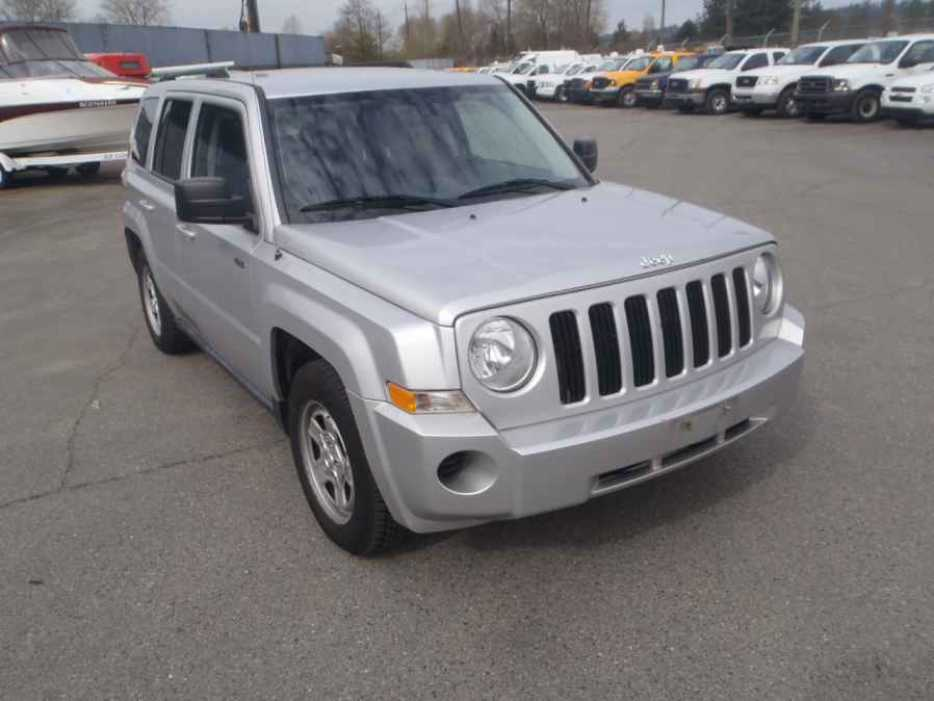 2010 jeep patriot outside comox valley comox valley mobile. Black Bedroom Furniture Sets. Home Design Ideas