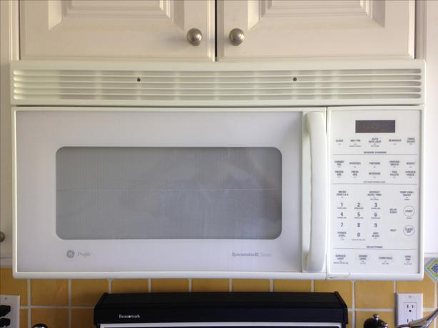 White under cabinet microwave ge vancouver city Under cabinet microwave