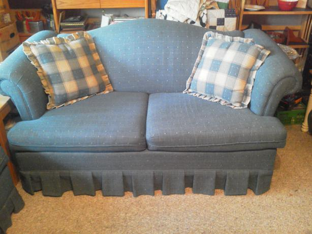 Sofa bed and love seat campbell river courtenay comox for Sofa bed 54 wide