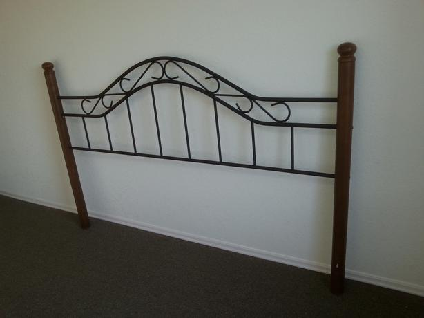 queen size bed frame with wooden poles