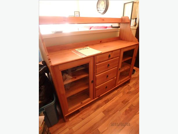 Ikea buffet hutch south regina regina for Buffet avec hutch ikea