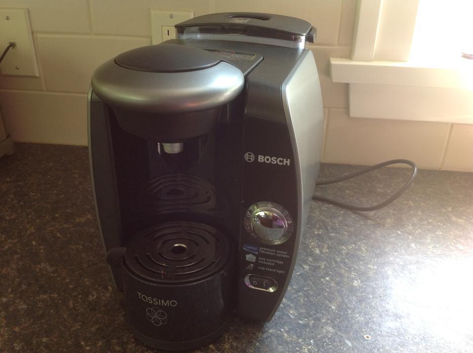 Latest Bosch Coffee Maker : Like New Bosch Tassimo Coffee Maker Malahat (including Shawnigan Lake & Mill Bay), Victoria - MOBILE