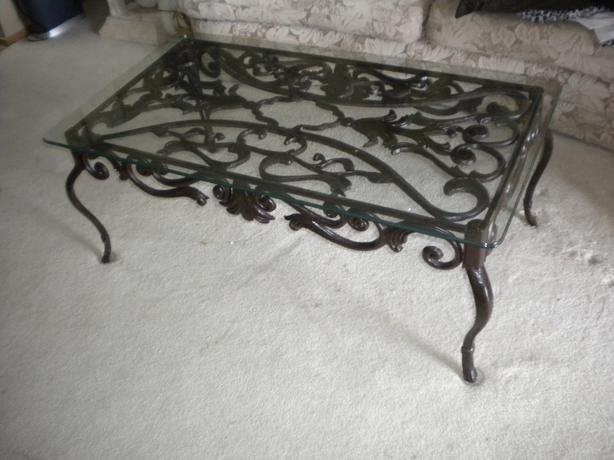Indoor outdoor cast iron coffee table south st vital for Cast iron outdoor coffee table