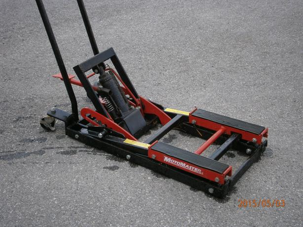 Motorcycle atv ride on floor jack nepean ottawa for How to jack up a motorcycle with a floor jack