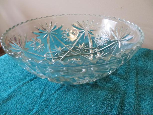 Large Pressed Glass Bowl (reduced++)