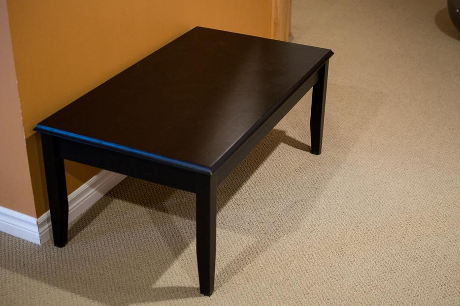 Solid wood coffee table gloucester gatineau for Coffee tables kelowna