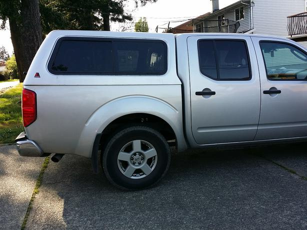 Leer Canopy fits 2005+ Nissan Frontier Short Box & Leer Canopy fits 2005+ Nissan Frontier Short Box Saanich Victoria
