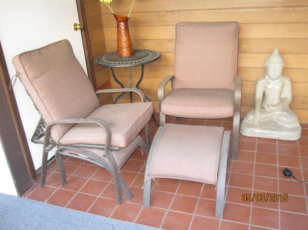 One patio recliner with matching ottoman kelowna okanagan for Outdoor furniture kelowna
