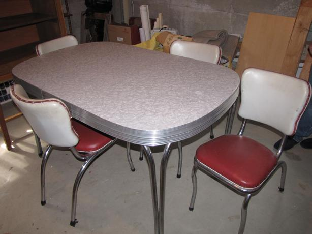 Vintage Formica Table and Chairs Central Nanaimo  : 46500852614 from www.usedpqb.com size 614 x 460 jpeg 33kB