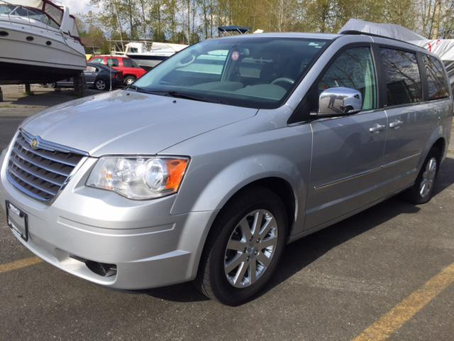 2010 chrysler town country touring edition outside victoria victoria. Black Bedroom Furniture Sets. Home Design Ideas