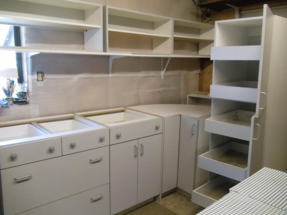 Kitchen cabinets gray white melamine parksville nanaimo for Kitchen cabinets nanaimo