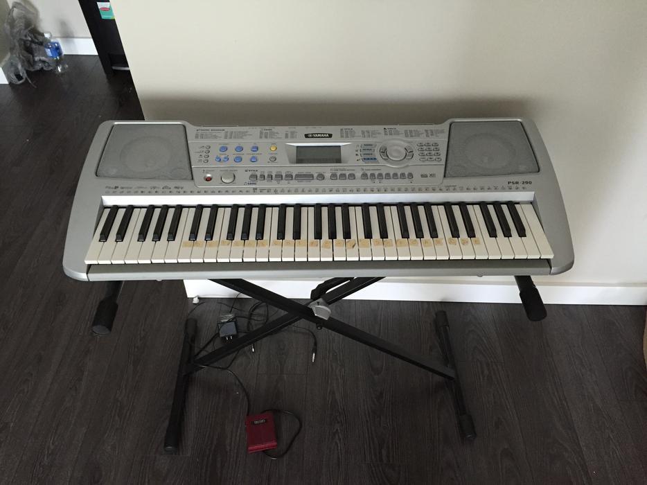 yamaha psr 290 electric keyboard piano saanich victoria. Black Bedroom Furniture Sets. Home Design Ideas