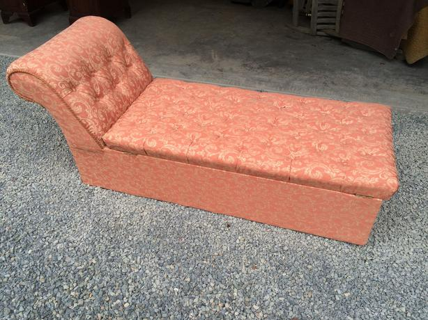 Victorian chaise longue central saanich victoria for Chaise longue montreal