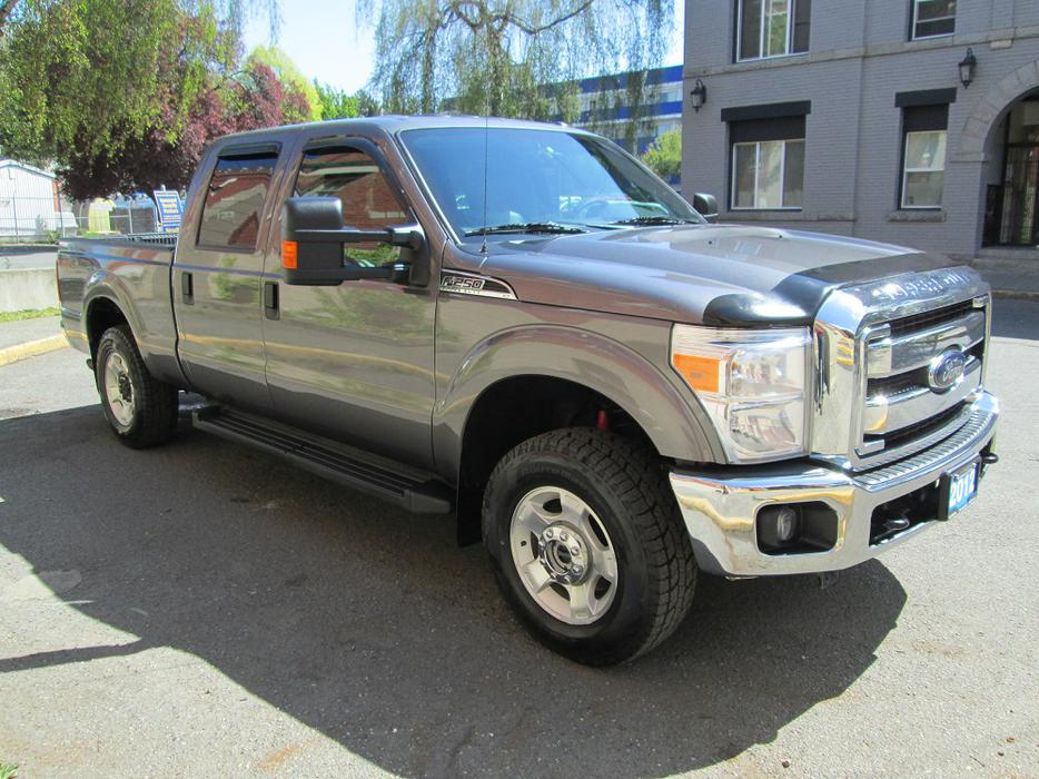 2012 ford f 250 super duty crew cab local vehicle brand new tires outside cowichan valley. Black Bedroom Furniture Sets. Home Design Ideas