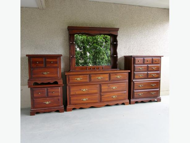 complete pine bedroom set of 2 side table dressers and hutch central
