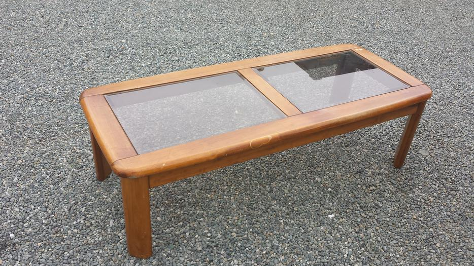 Solid wood coffee table central nanaimo nanaimo for Coffee tables kelowna