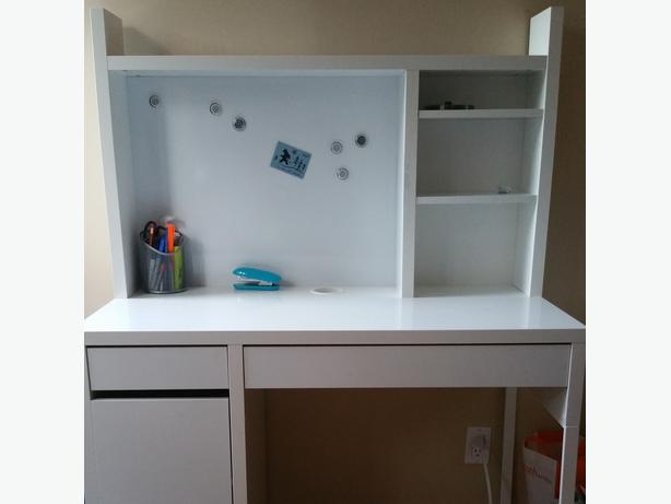 ikea desk white with add on shelves and storage chair central ottawa inside greenbelt. Black Bedroom Furniture Sets. Home Design Ideas