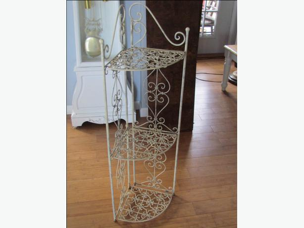 42 inch wrought iron standing or wall corner shelf. Black Bedroom Furniture Sets. Home Design Ideas