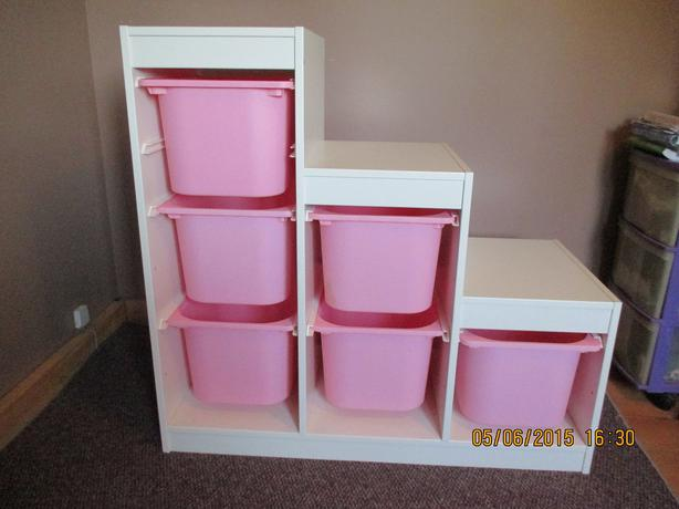 Ikea Malm Bett Niedrig Schwarz ~ IKEA Trofast white storage unit with 6 pink bins, for toys, crafts