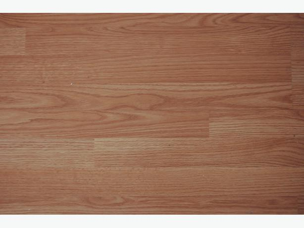 Laminate flooring 8mm 154sqr ft central ottawa inside for Laminate flooring waterloo