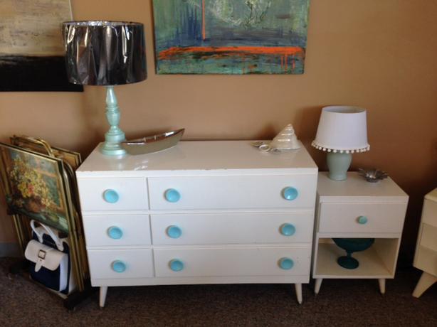 Cute dresser and nightstand kids esquimalt view royal for Little girls nightstand