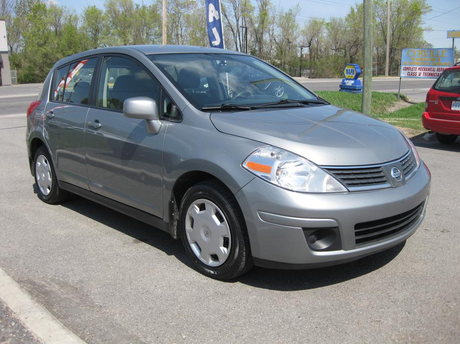 2009 Nissan Versa 1 8 S 6spd Loaded Brand New Tires