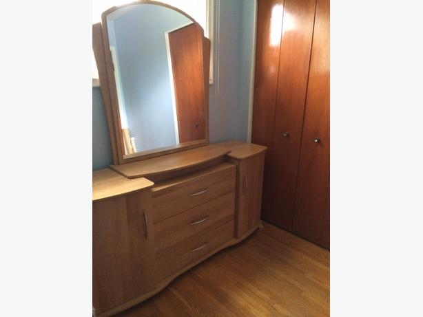New price 4 piece bedroom set in great condition central for Good value bedroom furniture