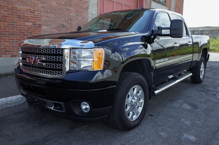 2012 gmc sierra 3500 hd denali 4x4 crew cab victoria city victoria mobile. Black Bedroom Furniture Sets. Home Design Ideas