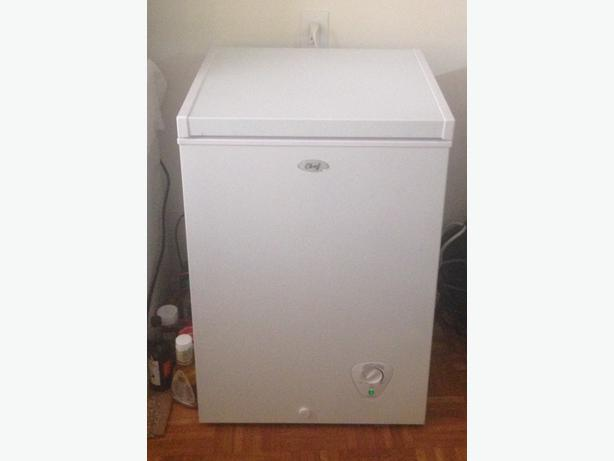 apartment sized freezer very good condition victoria
