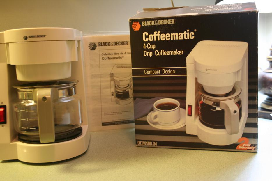 4-Cup DRIP Coffee Maker Outside Nanaimo, Nanaimo - MOBILE