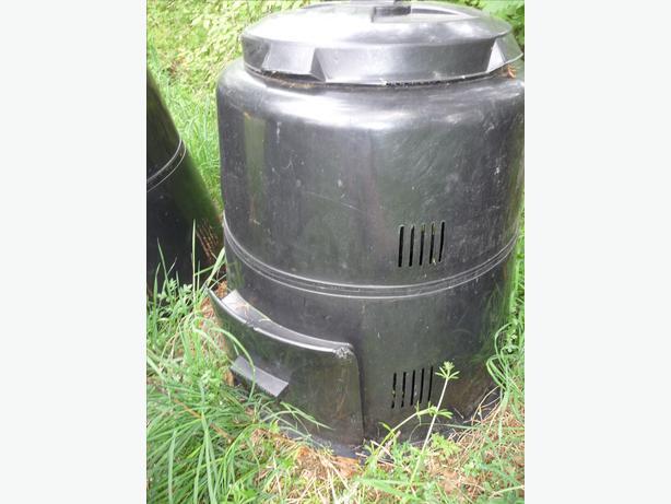 the earth machine compost bin