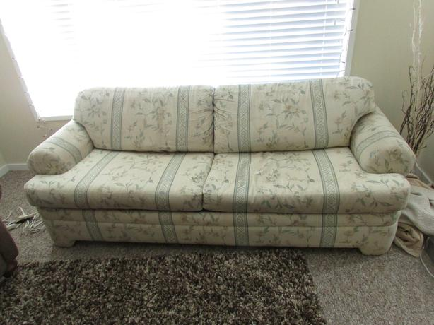 Free Hide A Bed Couch Comox Comox Valley Mobile