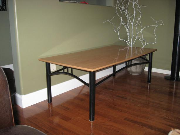 Coffee table and 2 end tables duncan cowichan for Coffee tables 16 inches high