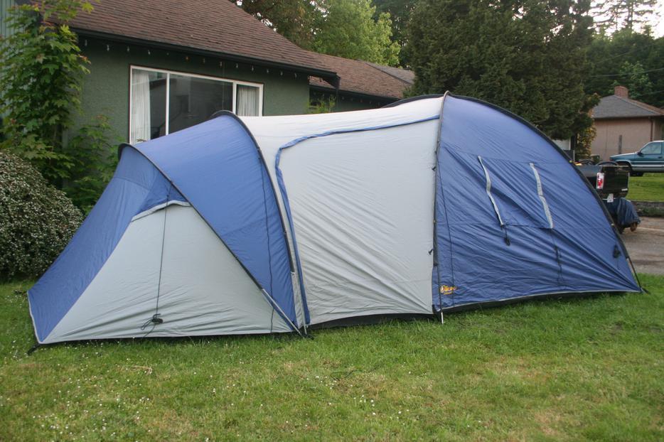 Three season cliffside 7 outbound tent esquimalt view for 7 summerland terrace