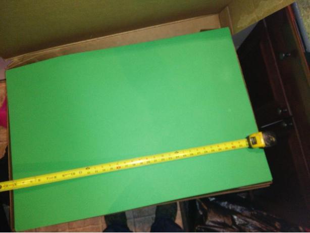 """25 Sheets of 22""""x35""""  65lb green  paper"""
