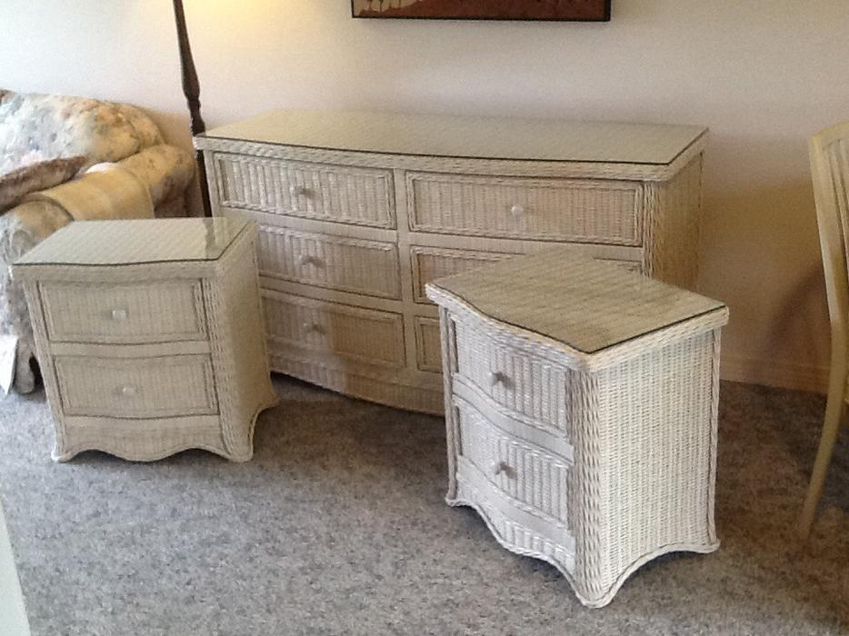 Used wicker bedroom furniture wicker bedroom furniture for Used bedroom furniture