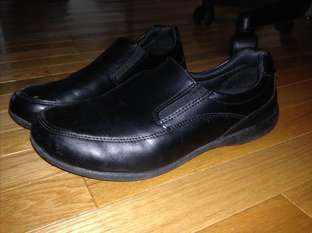 s worksafe no slip shoes size 9w saanich