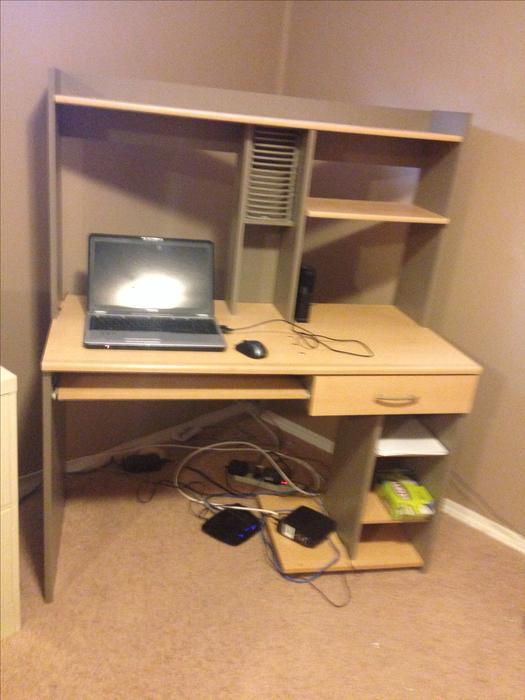 computer desk for sale north regina regina mobile. Black Bedroom Furniture Sets. Home Design Ideas
