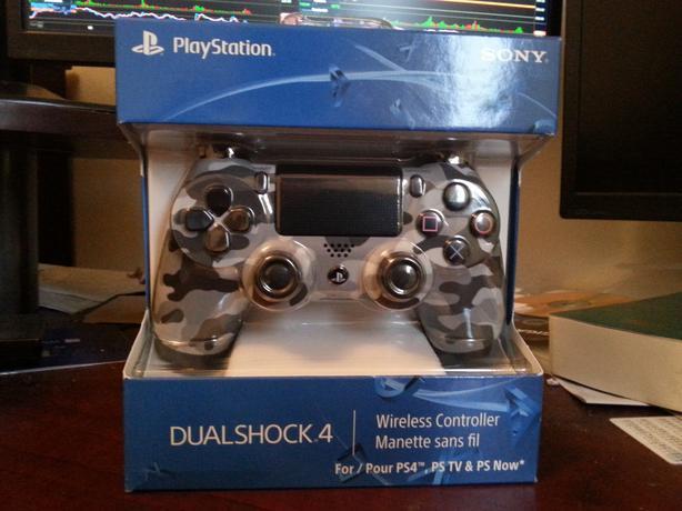 PS4 Grey Camo controller. New in box Victoria City, Victoria