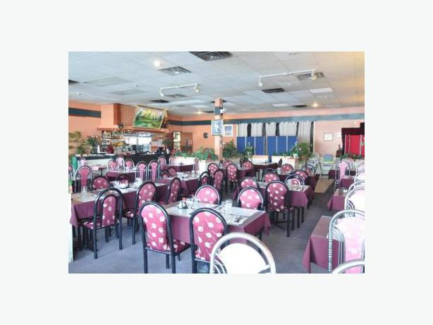 Restaurant for sale laval montreal montreal for Equipement restaurant laval
