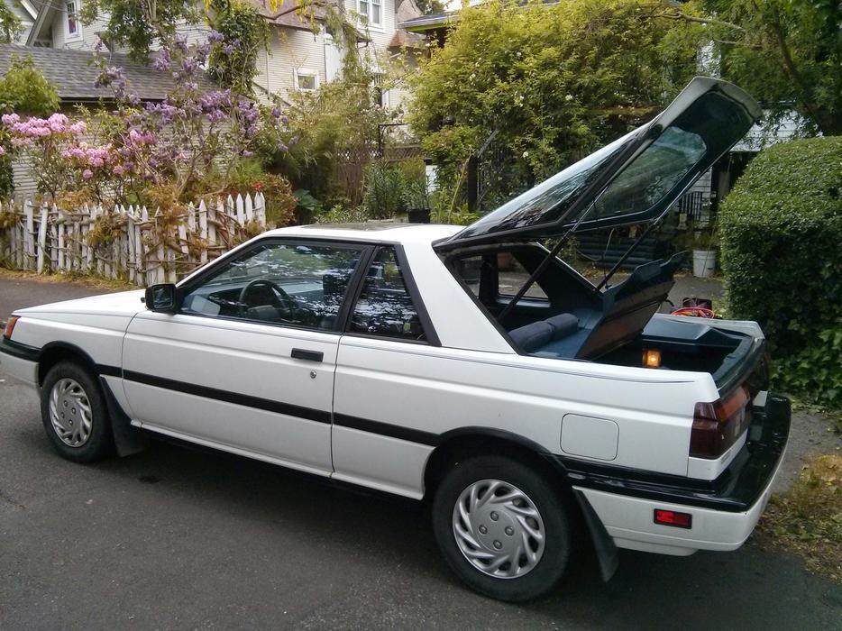 1990 Nissan Sentra Hatchback Victoria City Victoria