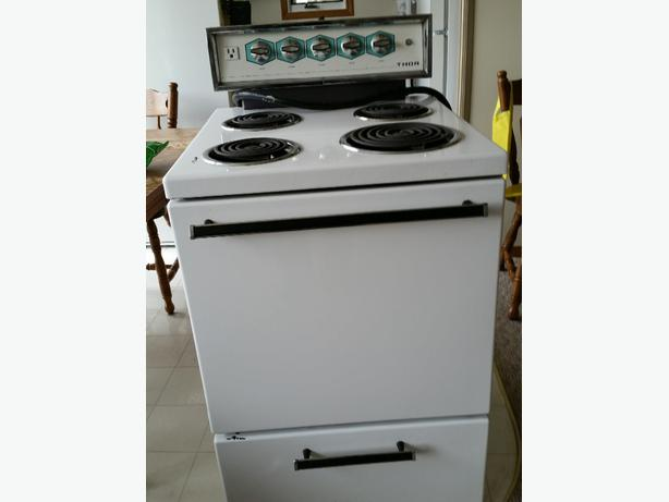 Apartment Sized Stove for Sale Other South Saskatchewan Location ...