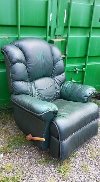 Green Lazy Boy Leather Recliner Chair Central Nanaimo